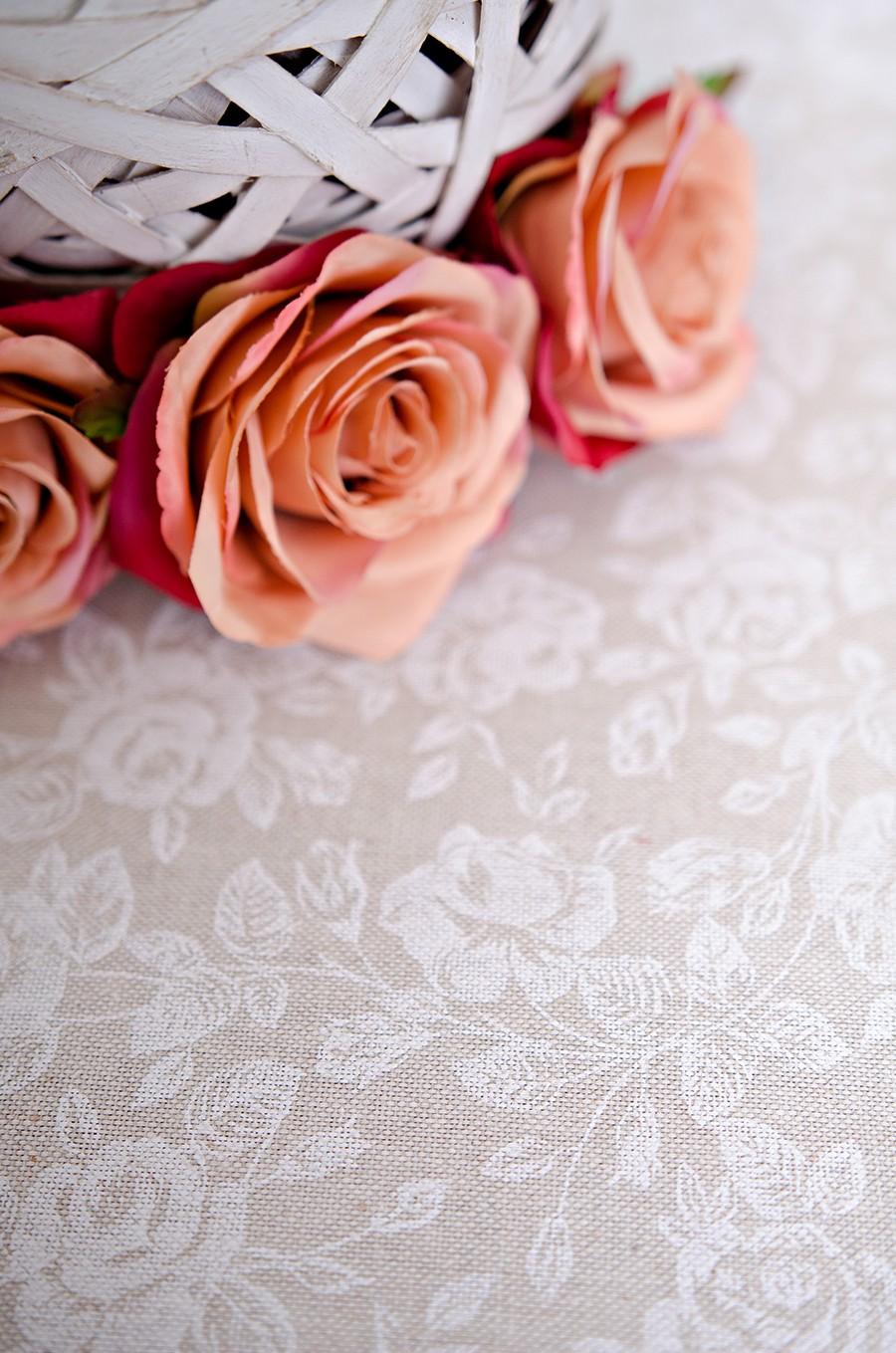 Obrus - biele ruže