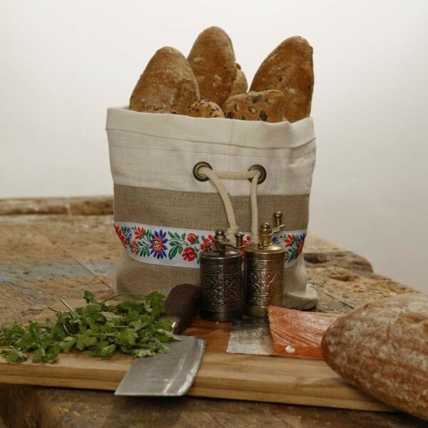Ľanové vrecko na pečivo so slovenskou čipkou - stolovanie