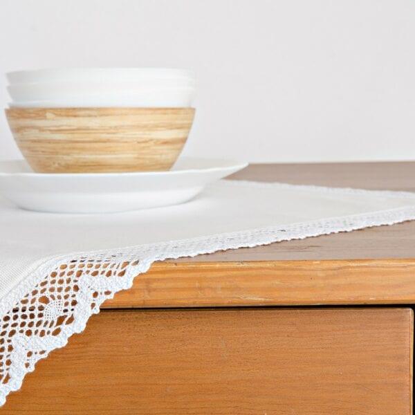 Obrus - biely s bielou krajkou