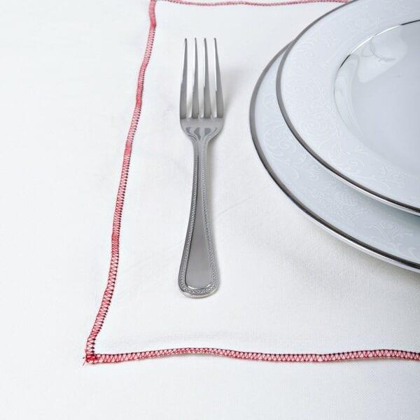 Prestieranie - praný biely ľan s červeným obšitím