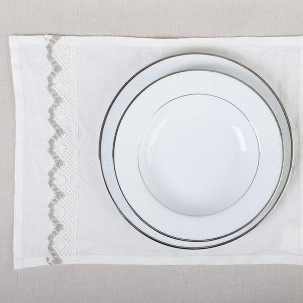 Prestieranie - praný biely ľan s čipkou