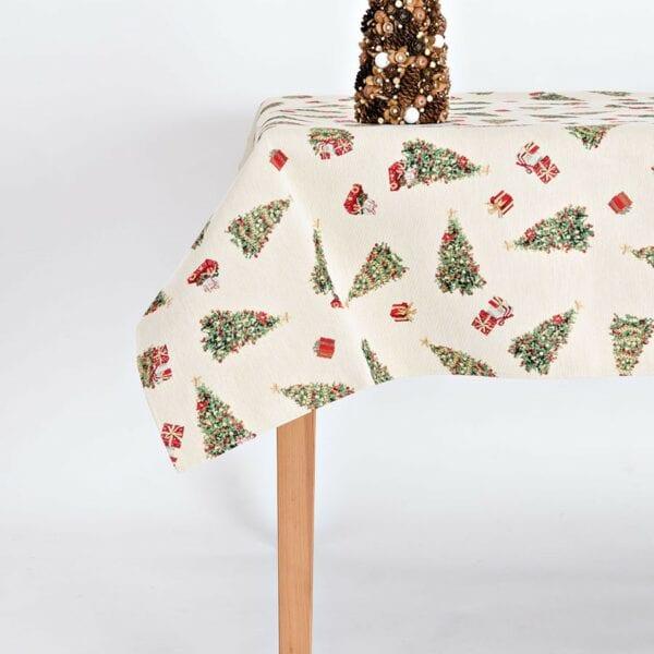 Obrus - gobelín, malé stromčeky