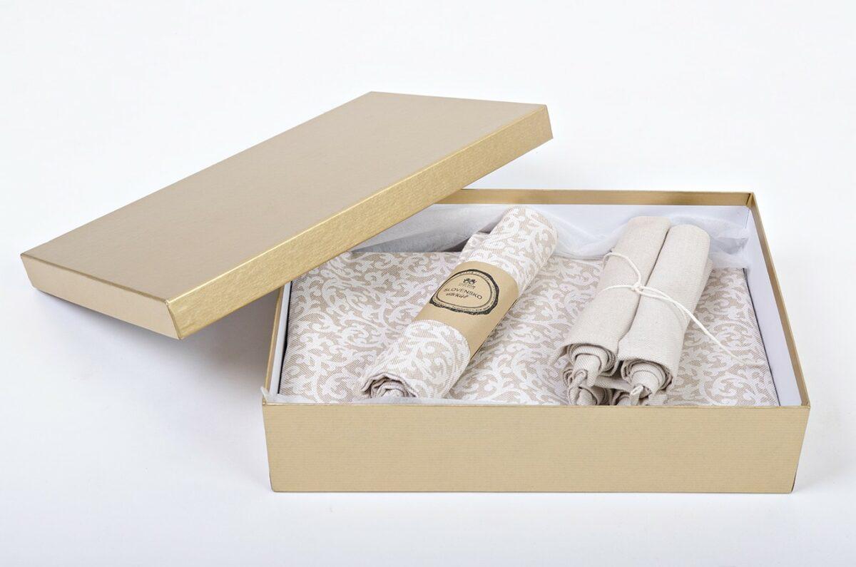 Darčekové balenie - biely ornament a režná