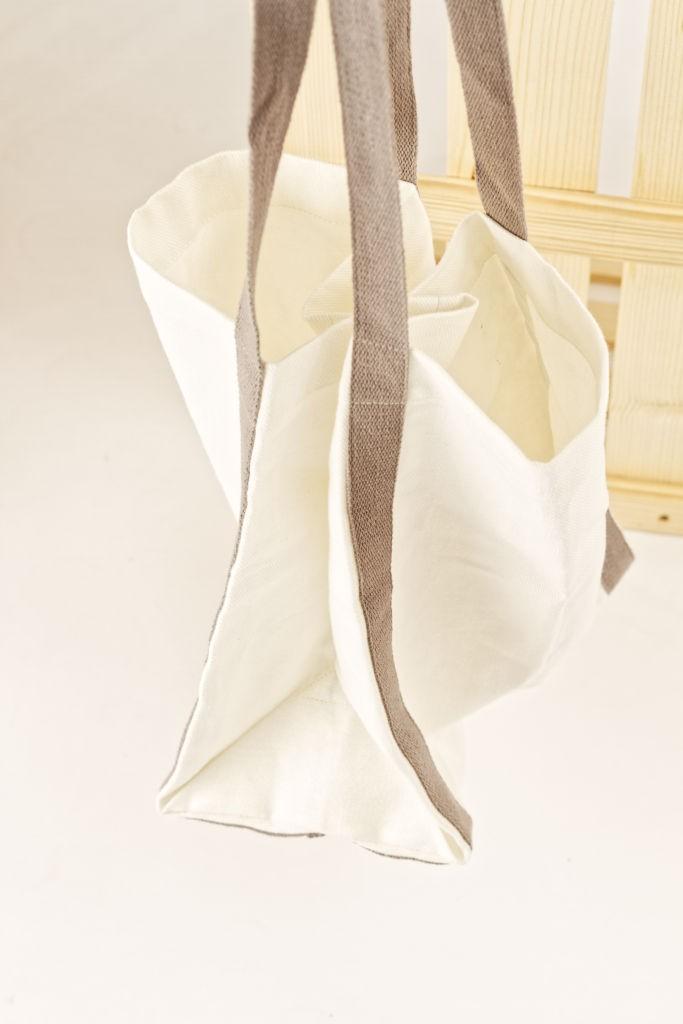 Ľanová taška biela so šedými popruhmi