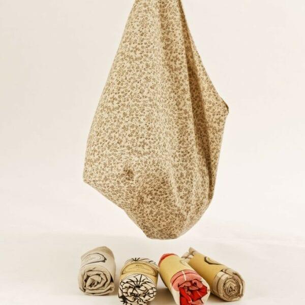 Bento Bag - hnedá drobná kvetinka